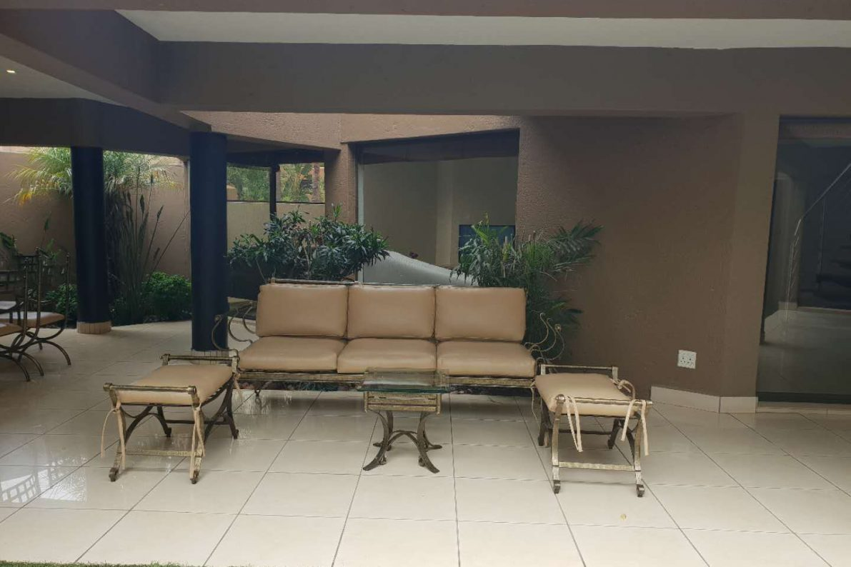 patio leather cream chairs